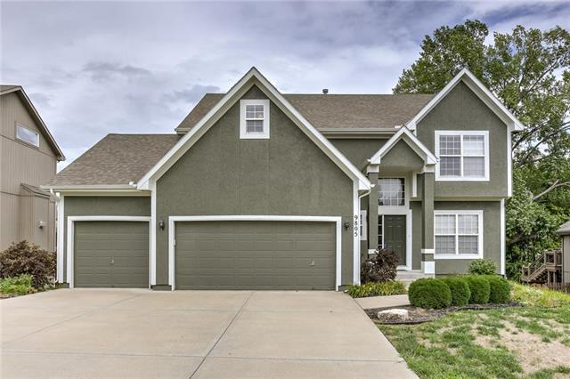 9805 N Donnelly Avenue, Kansas City, MO 64157 (#2128393) :: Edie Waters Network