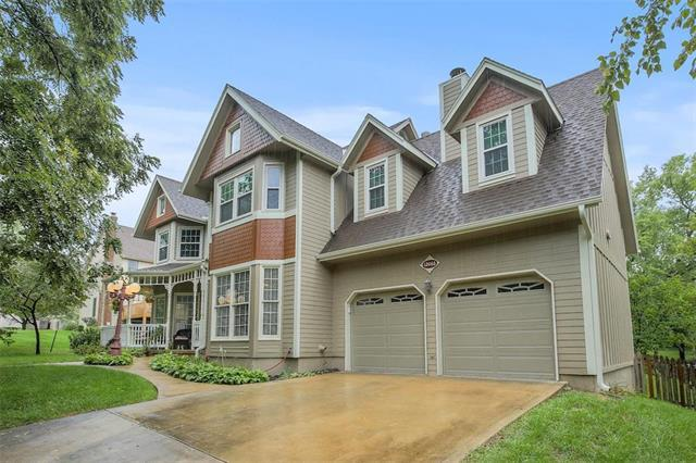 12066 Wedd Street, Overland Park, KS 66213 (#2128407) :: Char MacCallum Real Estate Group