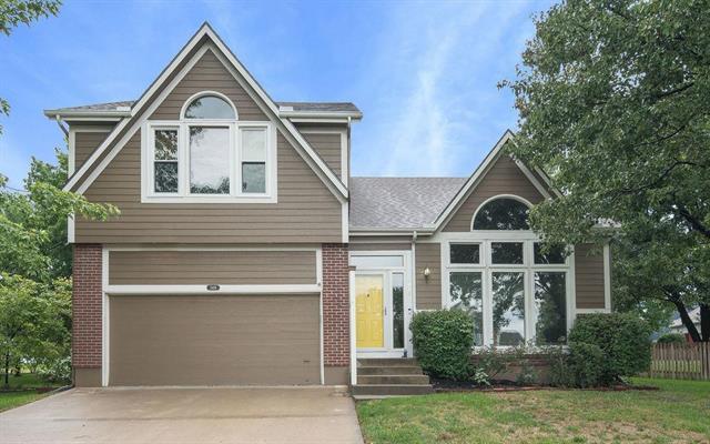5416 Noble Street, Shawnee, KS 66226 (#2128409) :: Edie Waters Network
