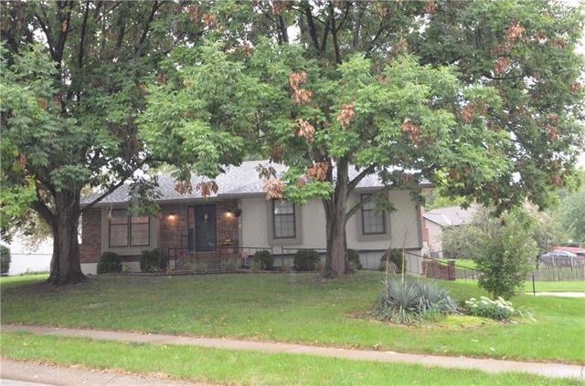 3724 S Atherton Court, Independence, MO 64055 (#2128428) :: Edie Waters Network