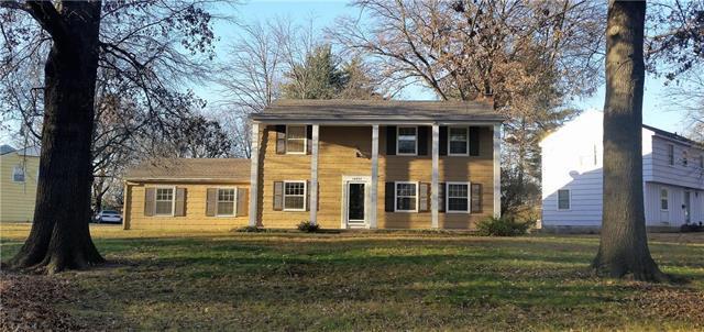 10924 Cypress Street Avenue, Kansas City, MO 64137 (#2128447) :: Edie Waters Network