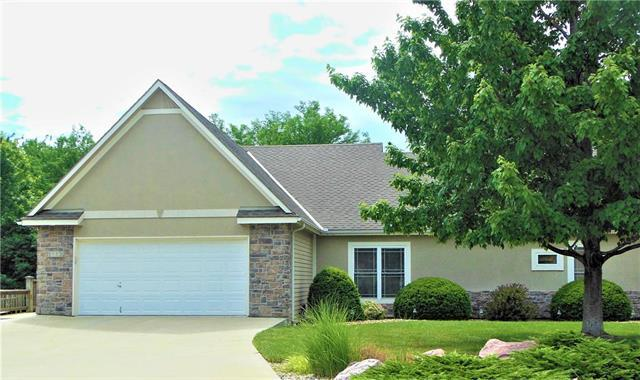 1113 Pebble Beach Drive, Lansing, KS 66043 (#2128526) :: Edie Waters Network