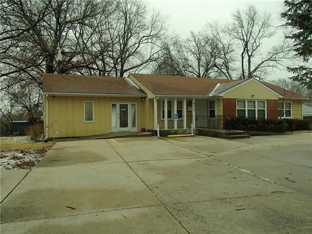 Evanston Avenue, Raytown, MO 64133 (#2128570) :: Edie Waters Network