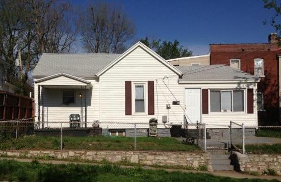 107 N Monroe Avenue, Kansas City, MO 64123 (#2128598) :: Edie Waters Network
