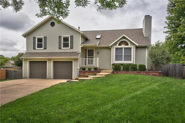 6140 W 157th Terrace, Overland Park, KS 66223 (#2128722) :: Edie Waters Network