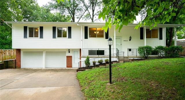3511 W 47TH Place, Roeland Park, KS 66205 (#2128765) :: Char MacCallum Real Estate Group