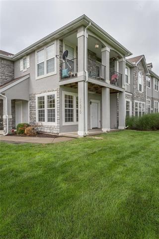 15930 S Skyview Lane, Olathe, KS 66062 (#2128795) :: Team Real Estate