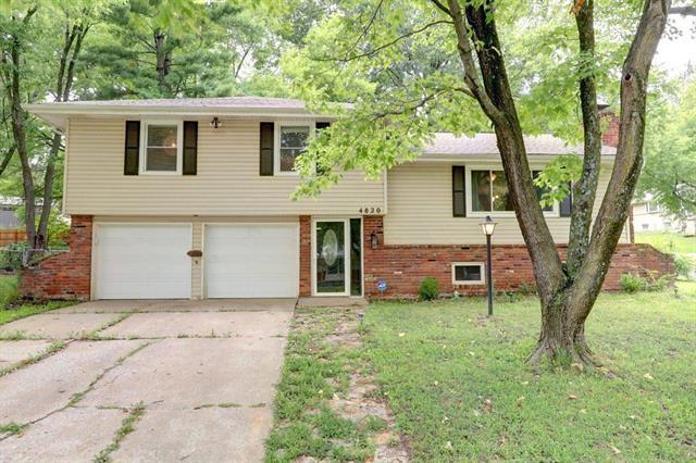 4820 NW Woody Creek Lane, Kansas City, MO 64151 (#2128845) :: Edie Waters Network