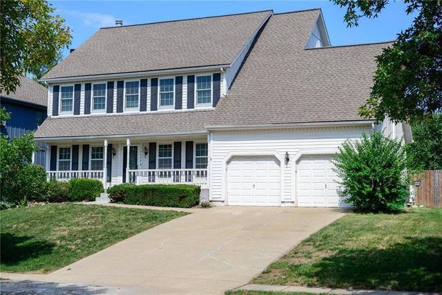14422 W 86th Terrace, Lenexa, KS 66215 (#2128853) :: NestWork Homes