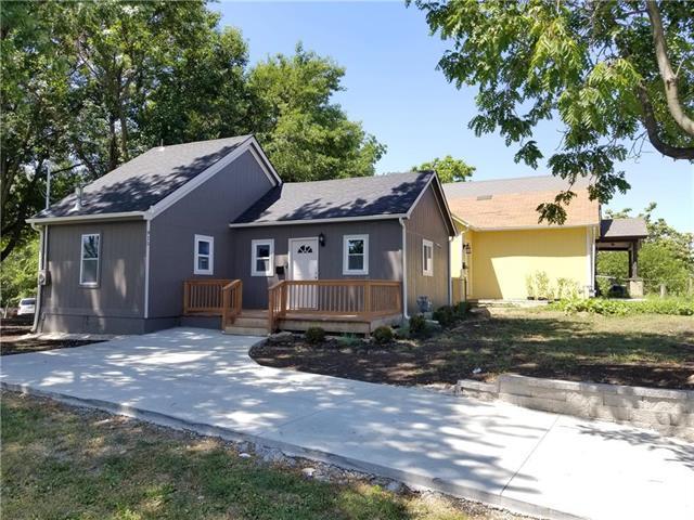 915 Riverview Avenue, Kansas City, KS 66101 (#2128913) :: Edie Waters Network