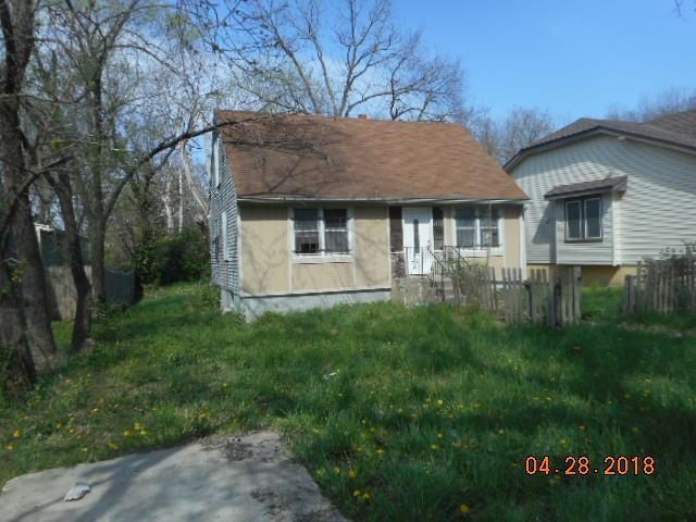 6832 Cleveland Avenue, Kansas City, MO 64132 (#2128982) :: Edie Waters Network