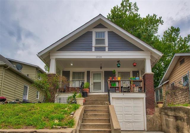 1314 Bennington Avenue, Kansas City, MO 64126 (#2129054) :: Edie Waters Network