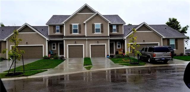 721 W Shawnee Court, Gardner, KS 66030 (#2129058) :: NestWork Homes