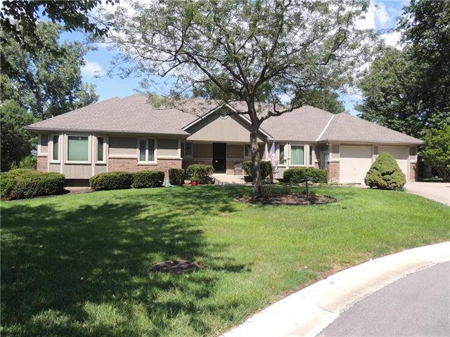 2235 SW Park Ave Circle, Blue Springs, MO 64015 (#2129136) :: Edie Waters Network