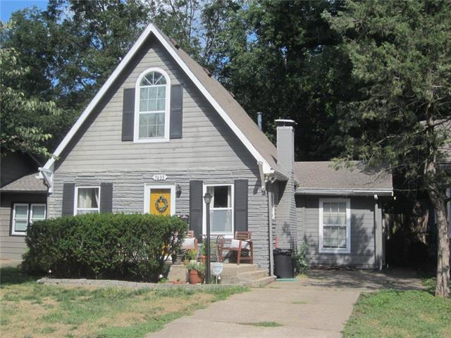 7635 Jefferson Street, Kansas City, MO 64114 (#2129141) :: Edie Waters Network