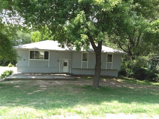 3716 N 60th Street, Kansas City, KS 66104 (#2129145) :: Edie Waters Network