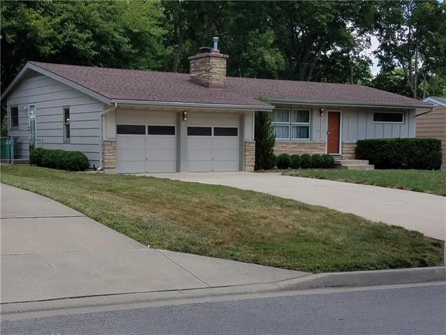 3806 W 49TH Street, Roeland Park, KS 66205 (#2129151) :: Char MacCallum Real Estate Group