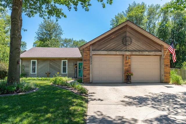 6732 Caenen Lake Road, Shawnee, KS 66216 (#2129154) :: Edie Waters Network