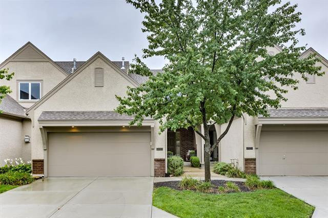 6403 W 145th Street, Overland Park, KS 66223 (#2129196) :: Edie Waters Network