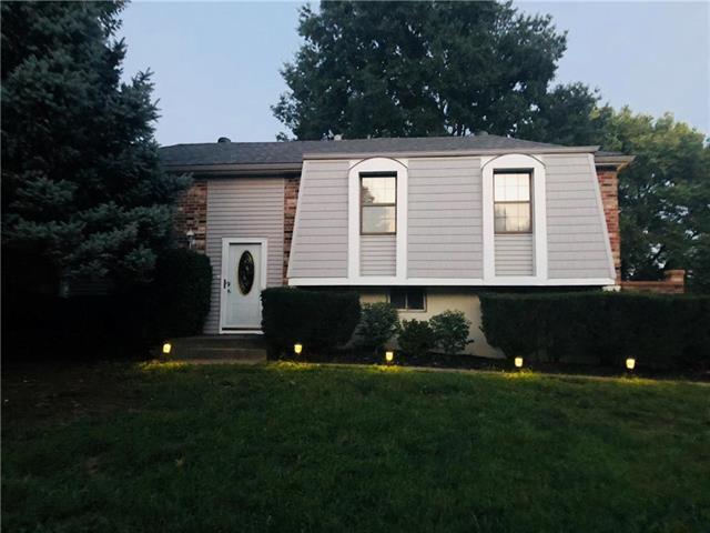 1601 N Milburn Avenue, Independence, MO 64056 (#2129210) :: Edie Waters Network