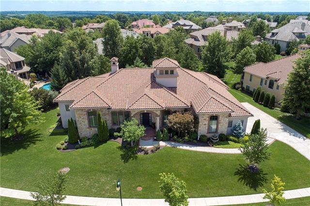 13905 Howe Drive, Leawood, KS 66224 (#2129227) :: Edie Waters Network