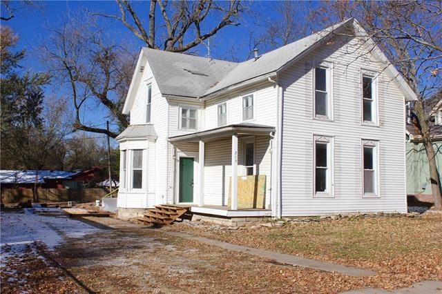 216 Main Street, Wellsville, KS 66092 (#2129228) :: No Borders Real Estate