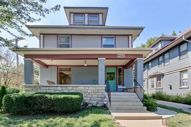 3344 Harrison Street, Kansas City, MO 64109 (#2129253) :: Char MacCallum Real Estate Group
