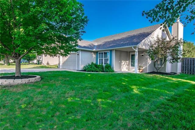 280 W Skylark Street, Gardner, KS 66030 (#2129255) :: Char MacCallum Real Estate Group