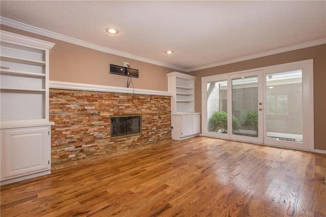 10420 Garnett Street, Overland Park, KS 66214 (#2129287) :: No Borders Real Estate