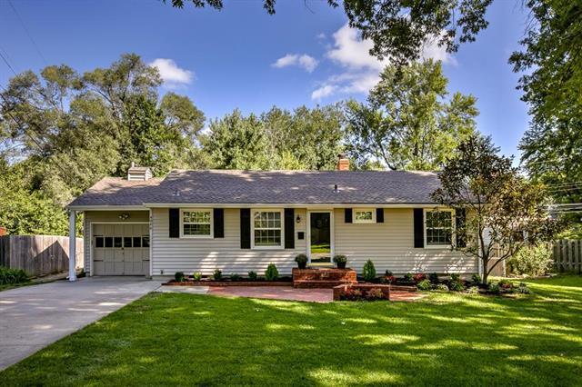 4946 W 78th Place, Prairie Village, KS 66208 (#2129300) :: Edie Waters Network
