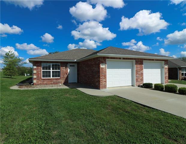 1305 A Sandra Drive, Warrensburg, MO 64093 (#2129364) :: Edie Waters Network