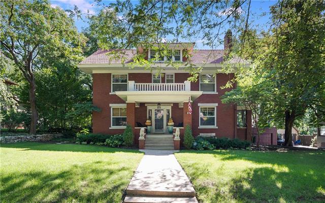 5431 Wyandotte Street, Kansas City, MO 64112 (#2129381) :: Edie Waters Network