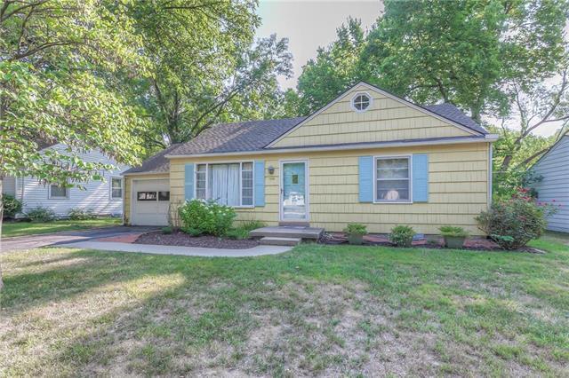 7245 Linden Street, Prairie Village, KS 66208 (#2129407) :: Char MacCallum Real Estate Group