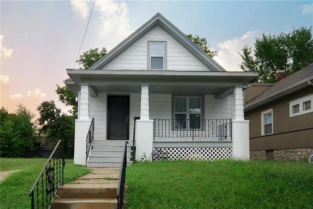 4904 E 24th Street, Kansas City, MO 64127 (#2129412) :: Edie Waters Network
