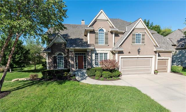 10304 N Revere Avenue, Kansas City, MO 64154 (#2129459) :: Char MacCallum Real Estate Group