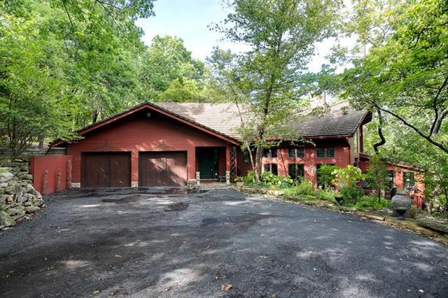 905 NW Cedar Creek Lane, Lee's Summit, MO 64081 (#2129574) :: Edie Waters Network