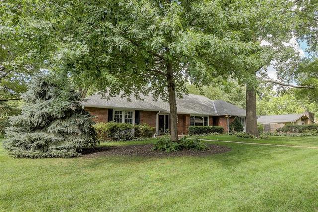 7928 Rosewood Drive, Prairie Village, KS 66208 (#2129696) :: Char MacCallum Real Estate Group