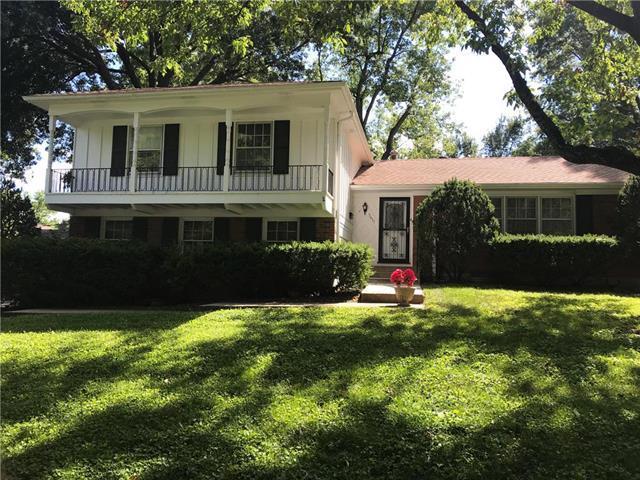 5611 W 84th Terrace, Overland Park, KS 66207 (#2129716) :: Kansas City Homes