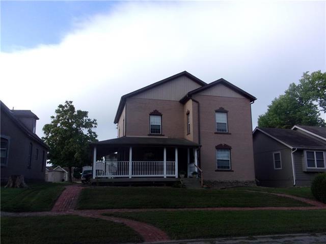 405 W Peoria Street, Paola, KS 66071 (#2129719) :: Char MacCallum Real Estate Group