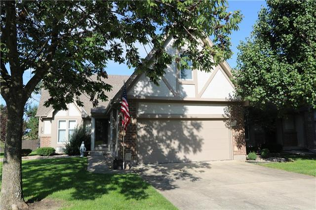 328 N Park Drive, Raymore, MO 64083 (#2129725) :: Edie Waters Network
