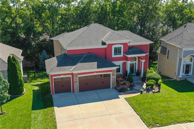 1221 SW Summit Crossing Drive, Lee's Summit, MO 64081 (#2129739) :: Edie Waters Network