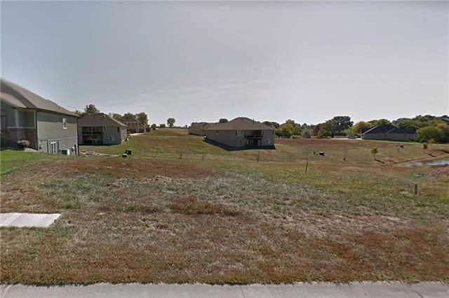 13291 Davis Avenue, Bonner Springs, KS 66012 (#2129784) :: Ron Henderson & Associates