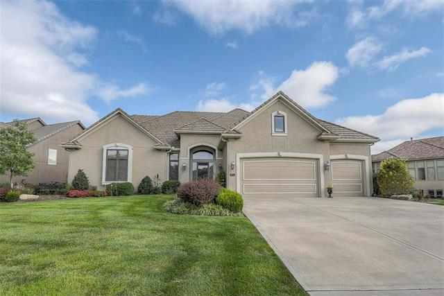 11010 W 145th Place, Overland Park, KS 66221 (#2129878) :: Edie Waters Network