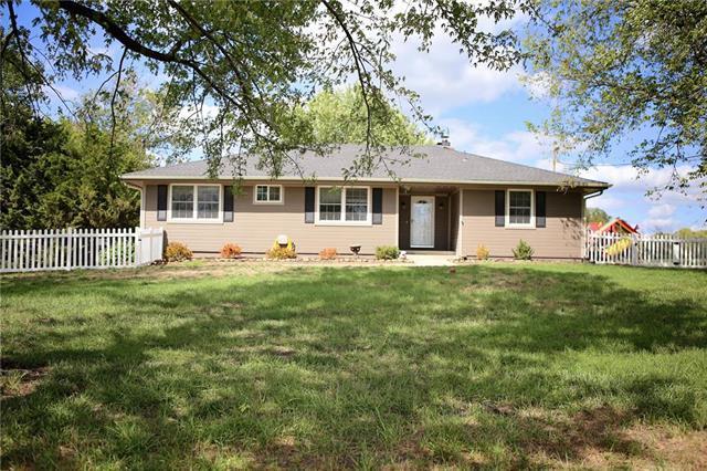 32670 W 183rd Street, Gardner, KS 66030 (#2129948) :: Char MacCallum Real Estate Group