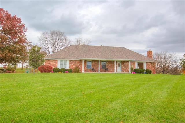 13204 Heritage Drive, Kearney, MO 64060 (#2129969) :: Edie Waters Network