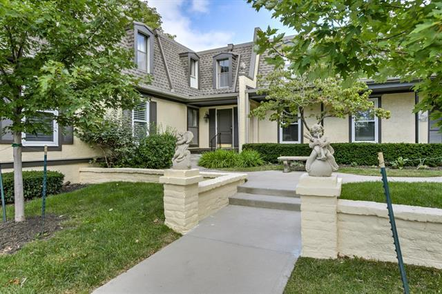 6728 W 109TH Street E, Overland Park, KS 66211 (#2129976) :: Char MacCallum Real Estate Group