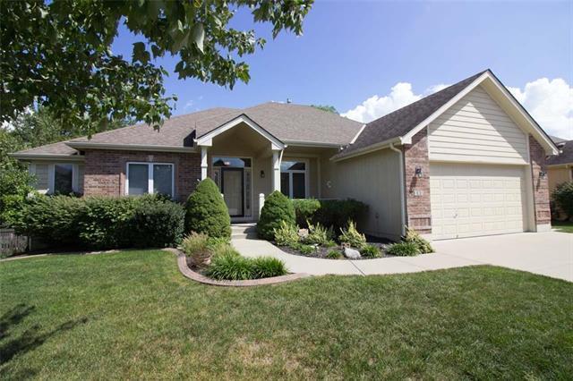 908 NW Cedar Lane, Grain Valley, MO 64029 (#2130011) :: Char MacCallum Real Estate Group