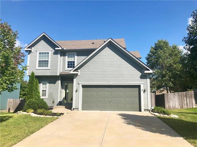 530 E Skylark Street, Gardner, KS 66030 (#2130042) :: Char MacCallum Real Estate Group