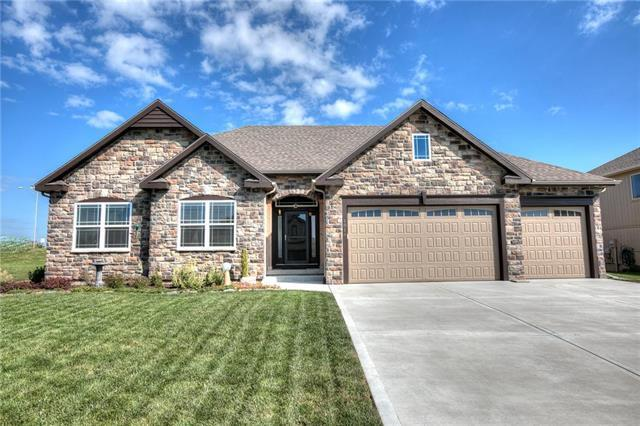 1814 NW 94th Terrace, Kansas City, MO 64155 (#2130045) :: Dani Beyer Real Estate