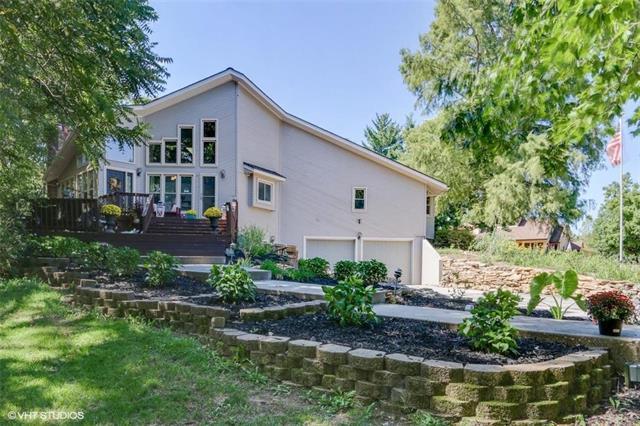 810 NW Cedar Creek Lane, Lee's Summit, MO 64081 (#2130060) :: Edie Waters Network